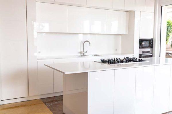 gandossi-progetto-cucina-bianca-con-bagno-galleria-1