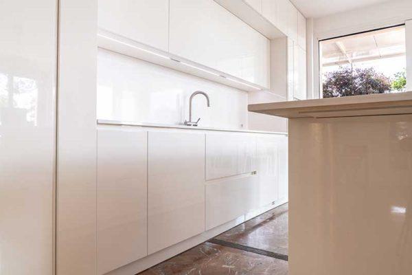 gandossi-progetto-cucina-bianca-con-bagno-galleria-12