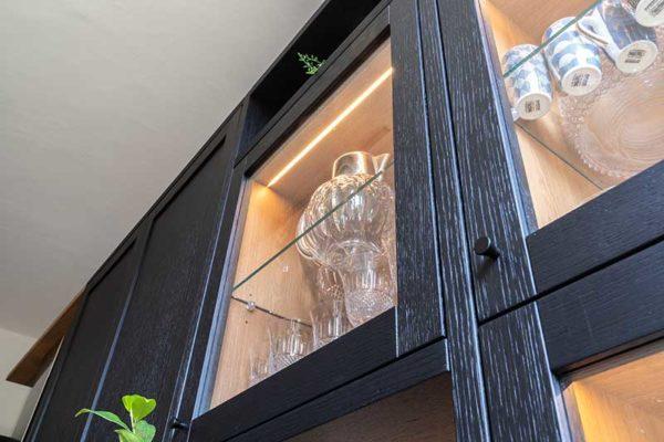 3-gandossi-arredamenti-portfolio-progetto-cucina-legno-scuro-galleria-5